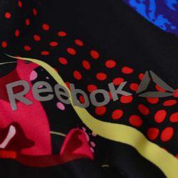 corpino-top-reebok-graffiti-bra-mujer-s93805