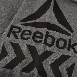 campera-reebok-graphic-track-jkt-bk4507